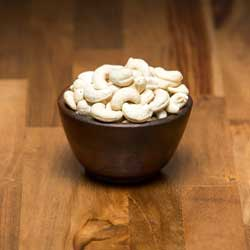 Kacang Mete Kupas